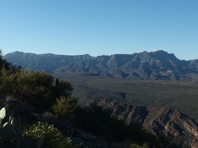 Long stretch of Superstition Ridgeline beyond Black Mesa