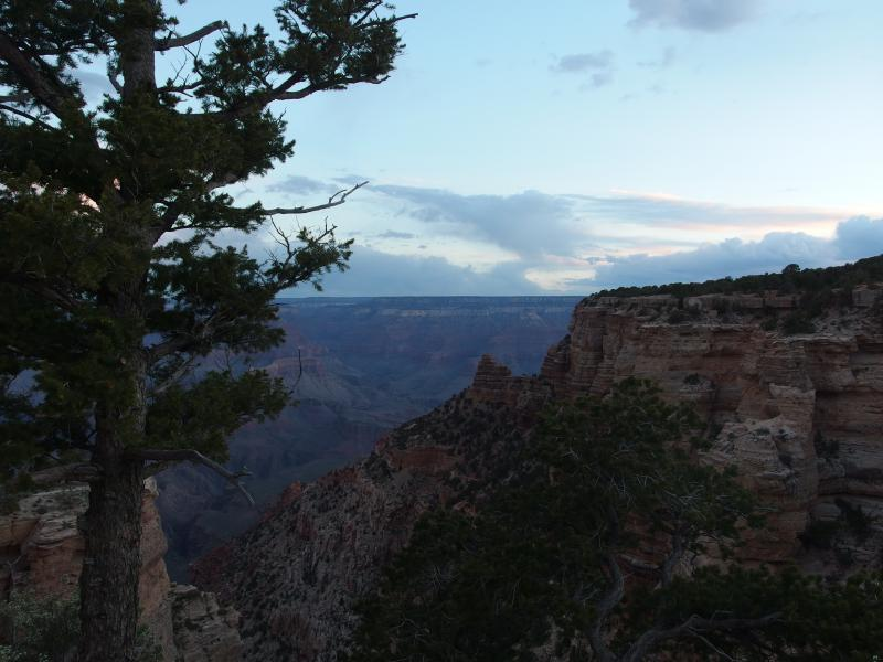 Dull light at the South Kaibab trailhead