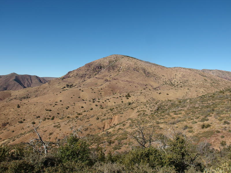 5932', the hill that marks a major Deadman confluence