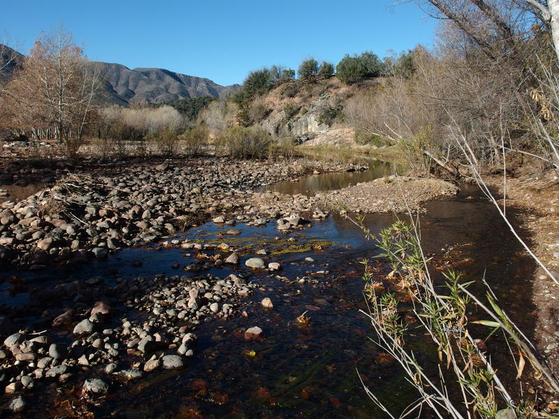 Easy crossing of East Verde River